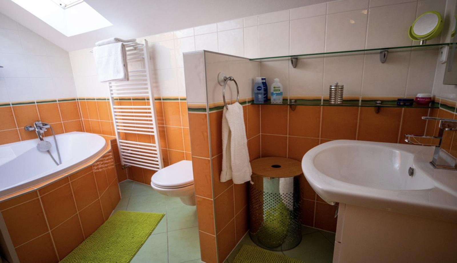 Syrovice, 4 Bedrooms Bedrooms, ,1 BathroomBathrooms,Rodinný dům,Na prodej,1044